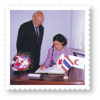 2536-royal-activity-swiss-red-cross-red-crescent-societies-01