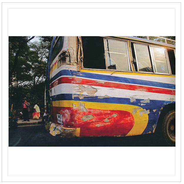 12 ธันวาคม 2554 รถเมล์ทุกคันบาดเจ็บสาหัส